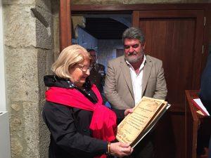 Entrega del Diploma de agradecimiento al Ilmo. Alcalde Juan Tomás Muñoz