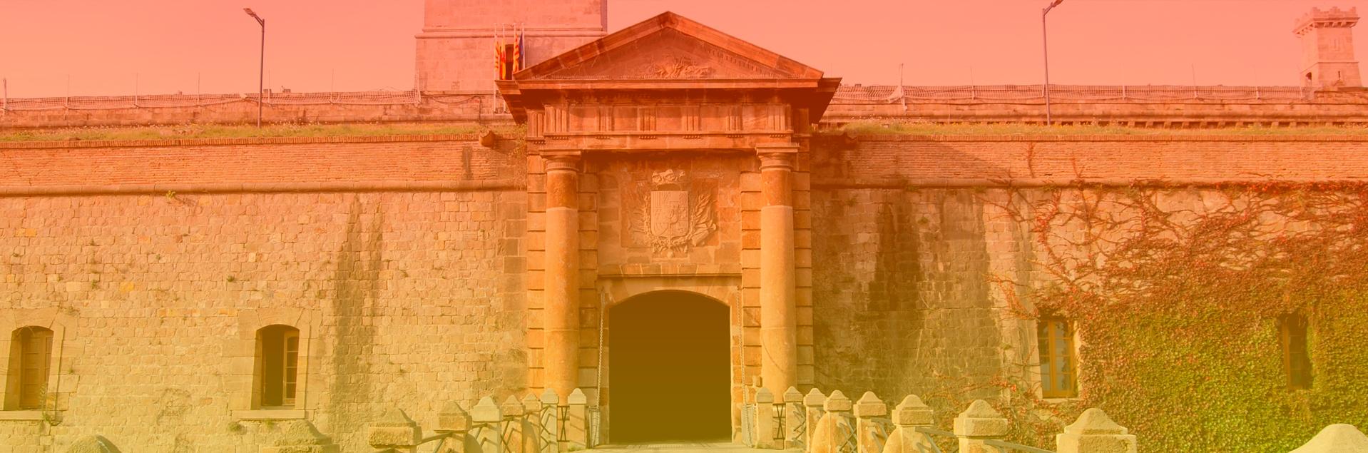 Fachada del Castillo de Montjuic